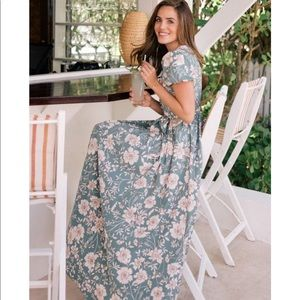 Gal Meets Glam Pleated Maxi Dress
